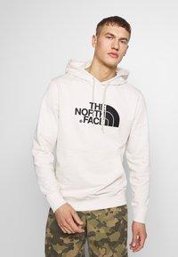The North Face - MENS LIGHT DREW PEAK HOODIE - Hoodie - vintage white/black - 0