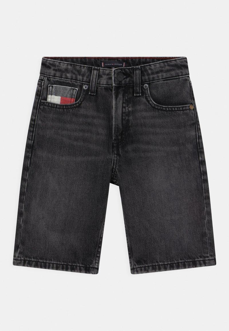 Tommy Hilfiger - MODERN STRAIGHT  - Denim shorts - grey denim