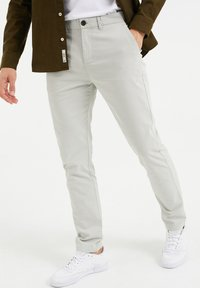 WE Fashion - SKINNY FIT MET DESSIN - Chinos - greyish green - 0