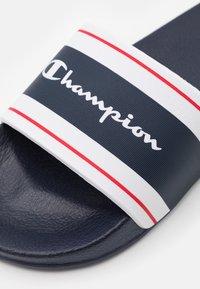 Champion - CLEARWATER - Sandály do bazénu - new navy - 5