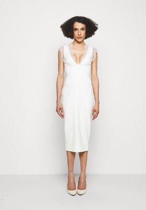DETAIL FITTED - Pouzdrové šaty - ivory