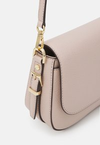 MICHAEL Michael Kors - BEDFORD LEGACY FLAP XBODY - Borsa a tracolla - soft pink - 4