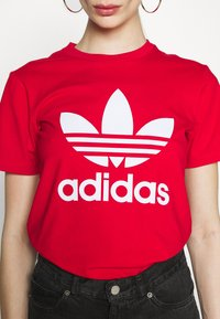 adidas Originals - TREFOIL TEE - Triko spotiskem - scarlet - 5