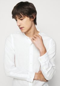 Polo Ralph Lauren - PIECE DYE - Shirt - white - 3