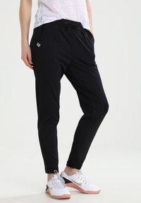 ONLY Play - ONPBAE TRAINING PANTS - Pantalones deportivos - black - 0
