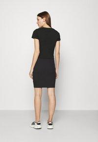 Calvin Klein Jeans - SLUB MINI SKIRT - Pencil skirt - black - 2