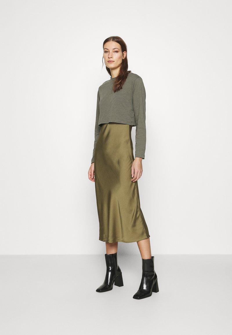 AllSaints - BENNO TEE DRESS SET - Long sleeved top - pale olive