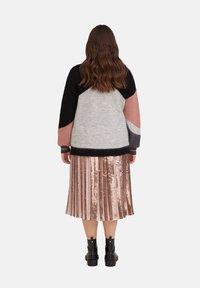 Fiorella Rubino - MIT PAILLETTEN - A-line skirt - rosa - 2
