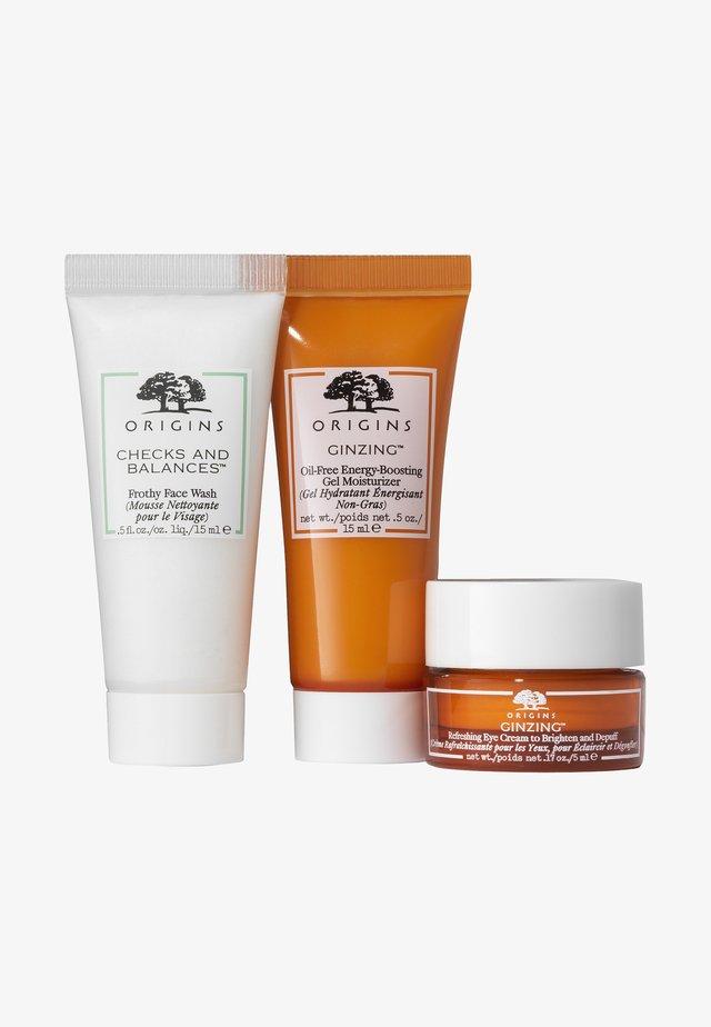 GLOW SET - Skincare set - -