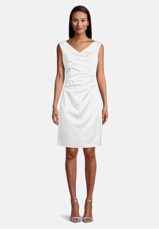 Shift dress - weiß