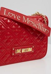 Love Moschino - Umhängetasche - red - 6