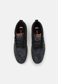 Globe - CHUKKA - Skateschoenen - black - 3