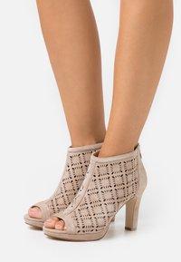 Anna Field - LEATHER - High Heel Stiefelette - beige - 0