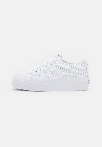 NIZZA PLATFORM - Zapatillas - white