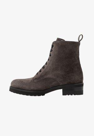 LESATA - Lace-up ankle boots - carbon siga
