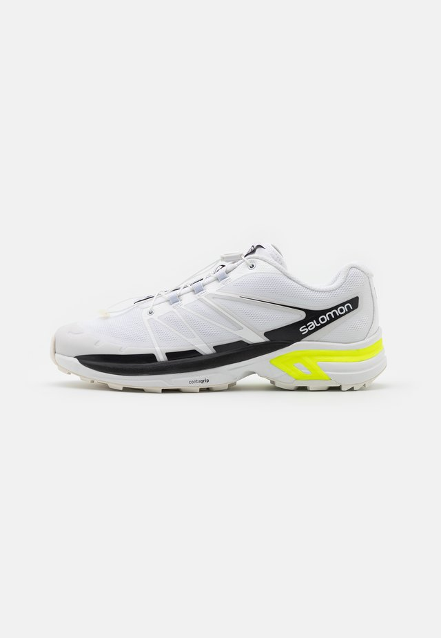 XT WINGS 2 UNISEX - Sneakers - white/ebony/safety yellow