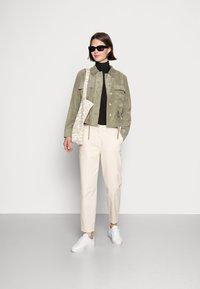 Opus - HAYO  - Lehká bunda - soft moss - 1