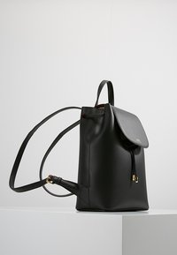 Lauren Ralph Lauren - SUPER SMOOTH FLAP - Rucksack - black/crimson - 3
