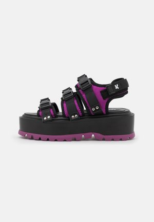 VEGAN ASTEROID PINK MATRIX  - Sandalen met plateauzool - black/pink