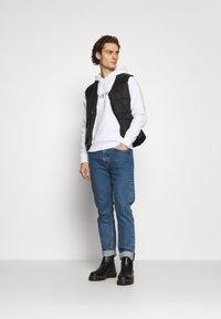 Calvin Klein - LOGO HOODIE - Hoodie - white - 1