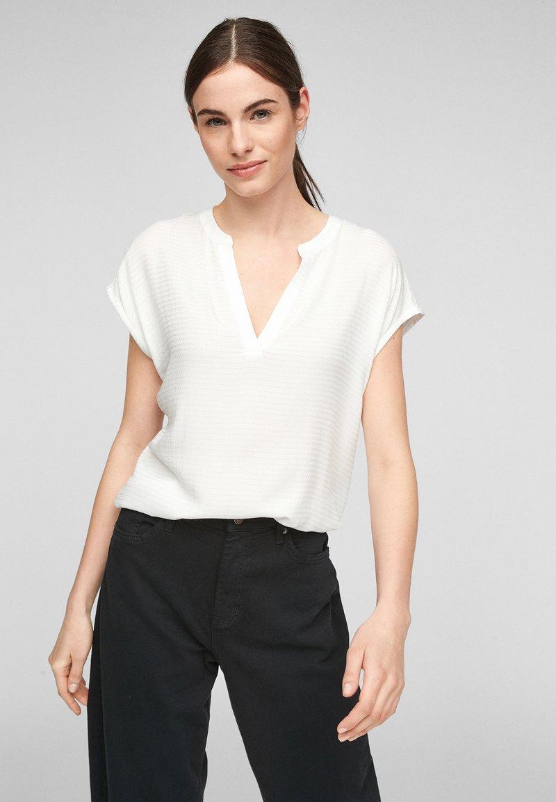 s.Oliver - KURZARM - Print T-shirt - off-white