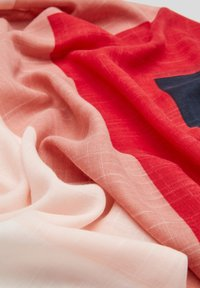 s.Oliver - MIT COLOUR BLOCKING-EFFEKT - Scarf - red stripes - 5
