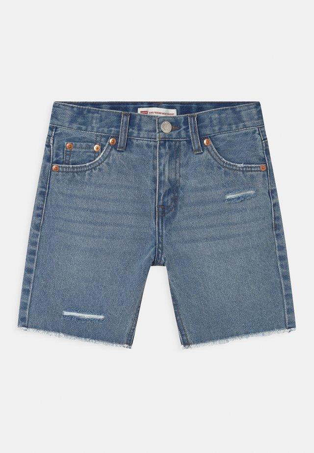 GIRLFRIEND MIDI  - Shorts di jeans - blue denim