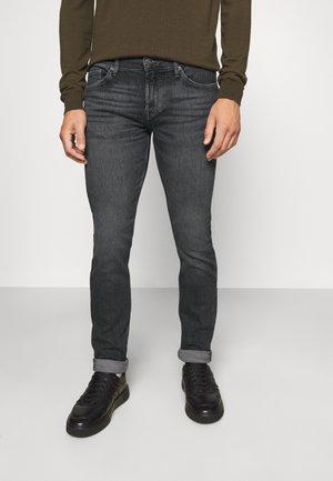 RONNIE - Slim fit jeans - legend grey