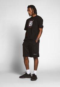 Champion Reverse Weave - MESH SHORTS - Shorts - black - 1