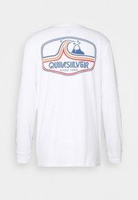 Quiksilver - HIGHWAY VAGABOND - Maglietta a manica lunga - white - 1
