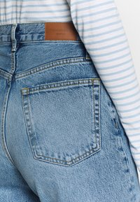 Gina Tricot - MOM - Relaxed fit jeans - mid blue - 3