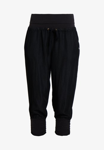 LINE PANTS