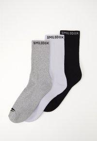 Smilodox - TRAINING SOCKS 3 PACK - Sportovní ponožky - schwarz/weiß - 0
