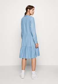 Moss Copenhagen - PHILIPPA DRESS - Spijkerjurk - light blue wash