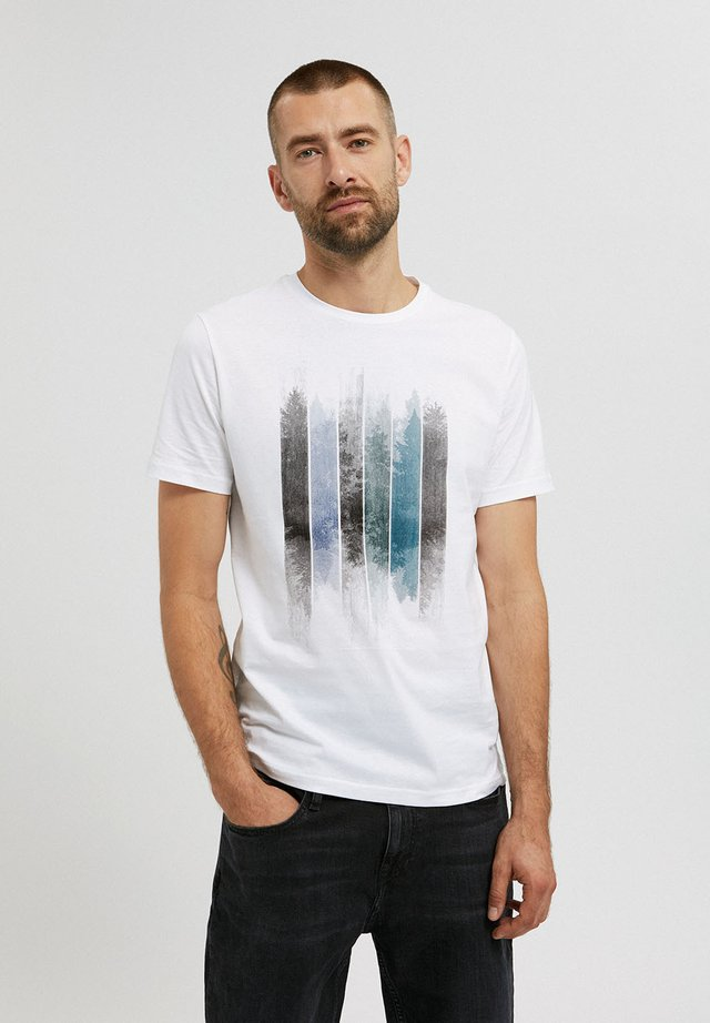 JAAMES PATCHWORK TREES - T-shirt print - white