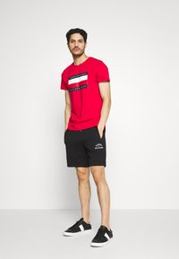 Tommy Hilfiger - BASIC EMBROIDERED  - Shorts - black - 1