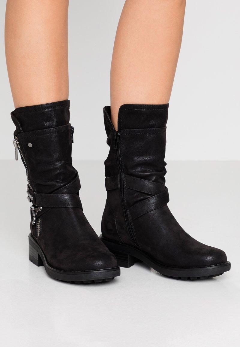 Bullboxer - Kovbojské/motorkářské boty - black
