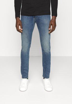 5 POCKETS PANT - Slim fit jeans - denim blu