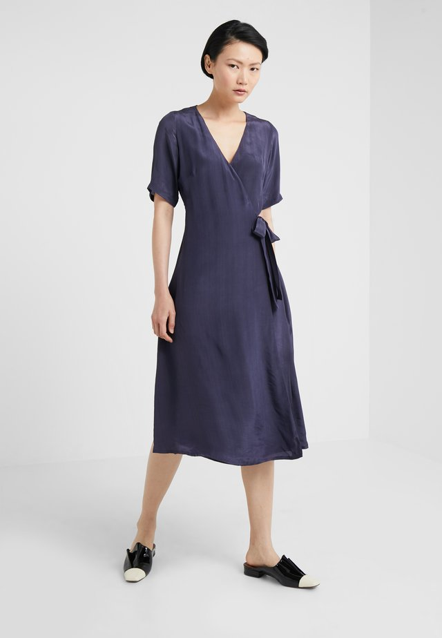BETTS - Sukienka letnia - navy blazer