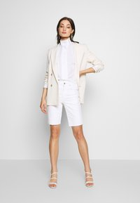 Weekday - NOELLE BLOUSE - Blouse - white - 1