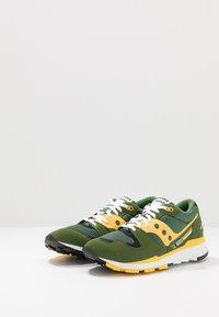 Saucony - AZURA - Sneaker low - green/yellow - 2