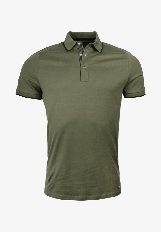 Polo shirt - medium green