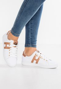 H.I.S - Trainers - white/rosegold - 0