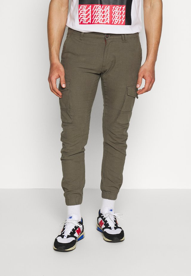 JJIPAUL JJFLAKE LINEN - Cargo trousers - olive night