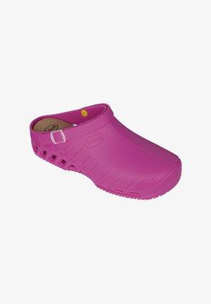 Slippers - fucsia