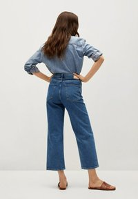 Mango - GABRIELA - Flared Jeans - donkerblauw - 2