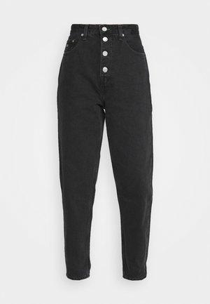 MOM JEAN HR TPRD BF TJSBKR - Relaxed fit jeans - tj save fa black rig