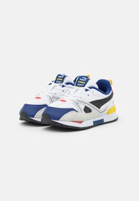 Puma - PEANUTS SNOOPY MIRAGE MOX UNISEX - Matalavartiset tennarit - white/black - 1