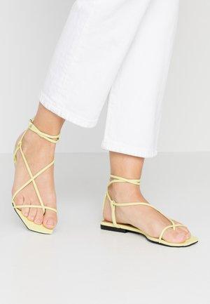 ZANDER - Sandály s odděleným palcem - limeade