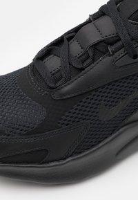 Nike Sportswear - AIR MAX BOLT UNISEX - Sneakers laag - black - 5